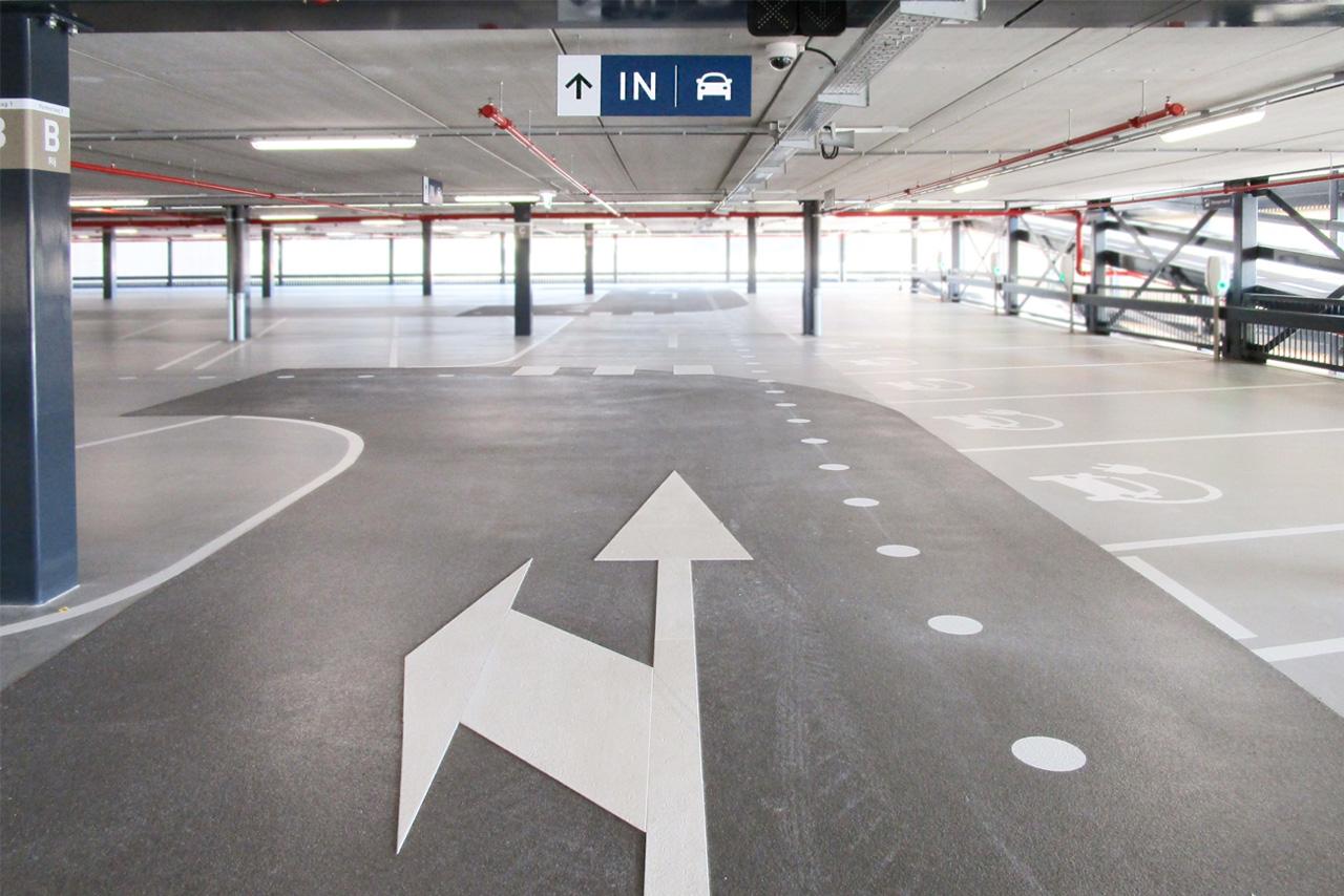 Amphia Ziekenhuis bewegwijzering ingang   Groeneveld Sign Systems