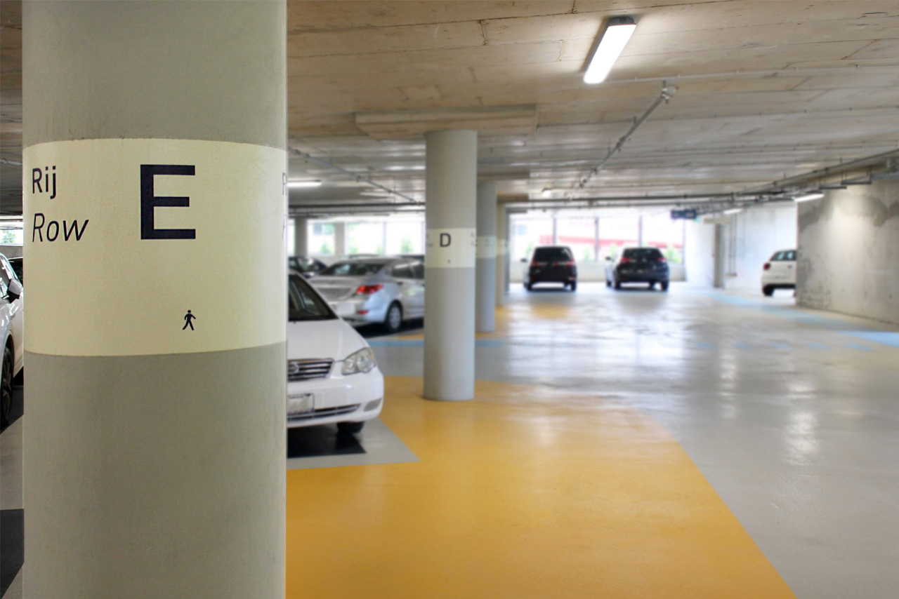 CMC garage rij aanduiding E   Groeneveld Sign Systems