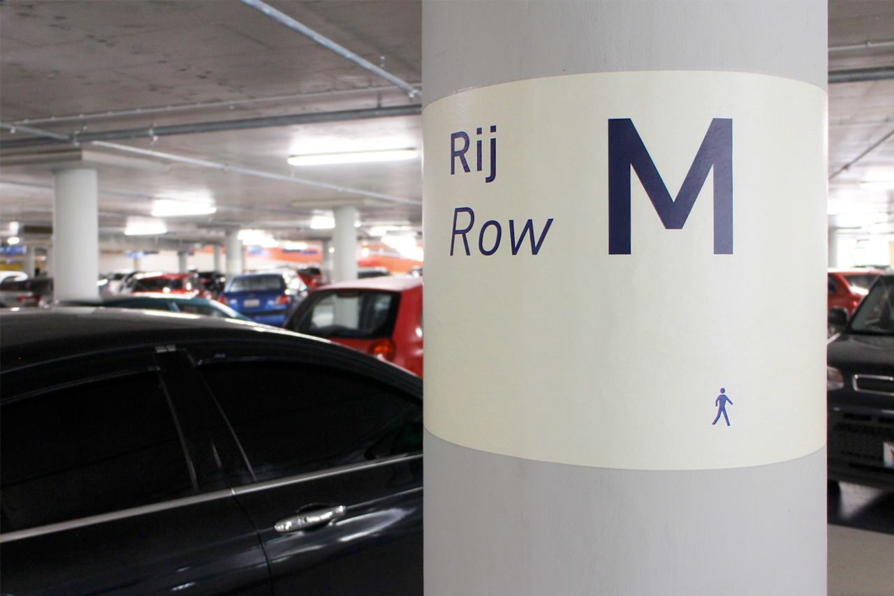 CMC garage rij aanduiding M   Groeneveld Sign Systems