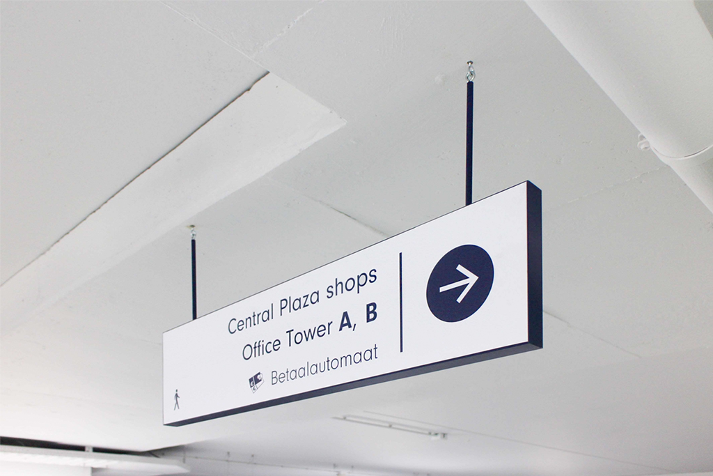 Central Plaza bewegijzering | Groeneveld Sign Systems