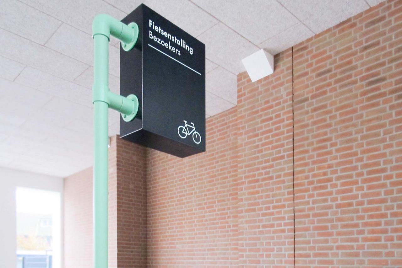 De Melkfabriek fietsenstalling   Groeneveld Sign Systems