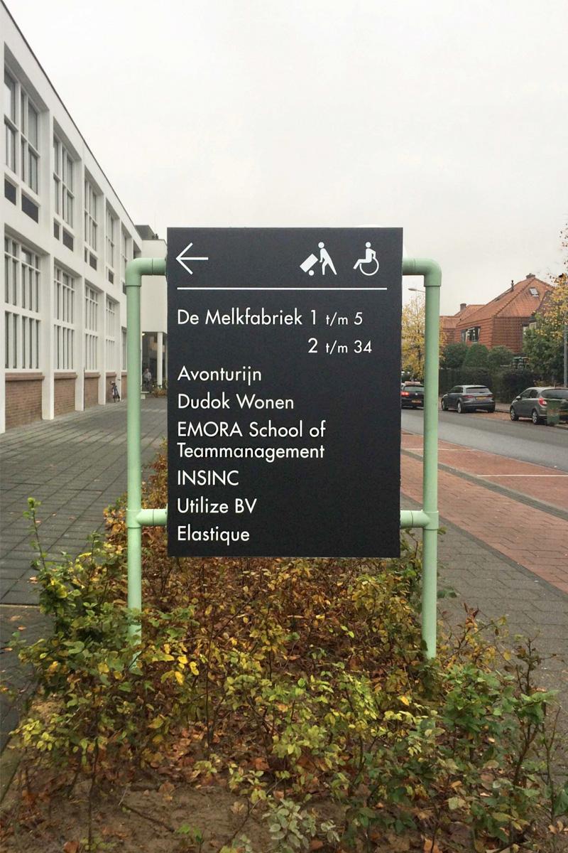 De Melkfabriek verwijsbord buiten   Groeneveld Sign Systems