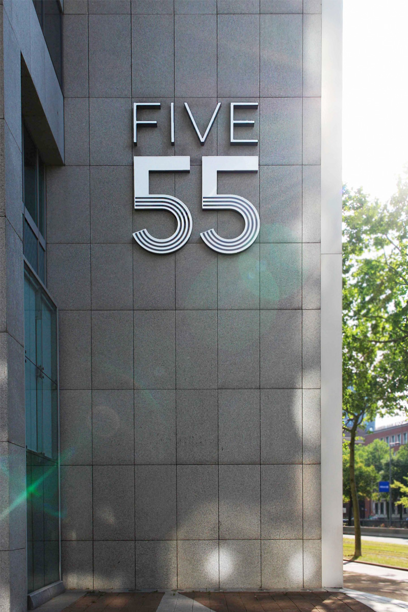 Five 55 logo buiten | Groeneveld Sign Systems