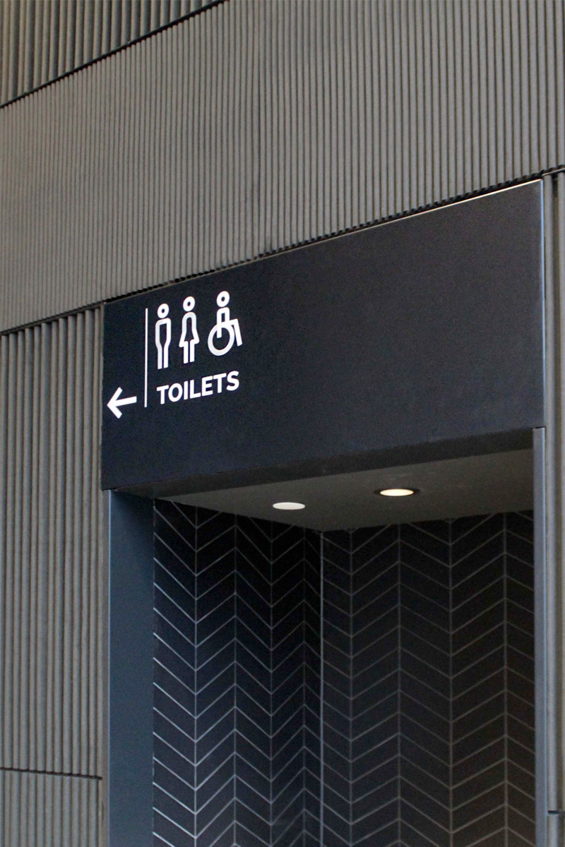 Five 55 verwijzing toilets | Groeneveld Sign Systems