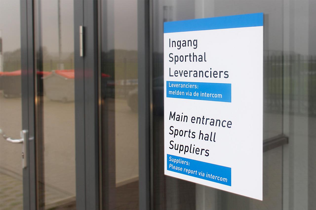 Het Merletcollege ingang bewegwijzering   Groeneveld Sign Systems