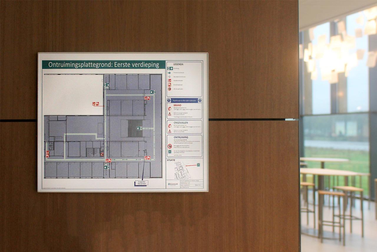 Het Merletcollege vluchtweg plattegrond   Groeneveld Sign Systems