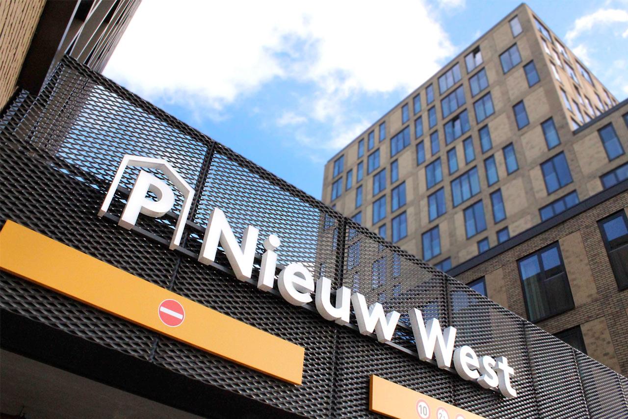 Parkeergarage Nieuw West gevelsign | Groeneveld Sign Systems