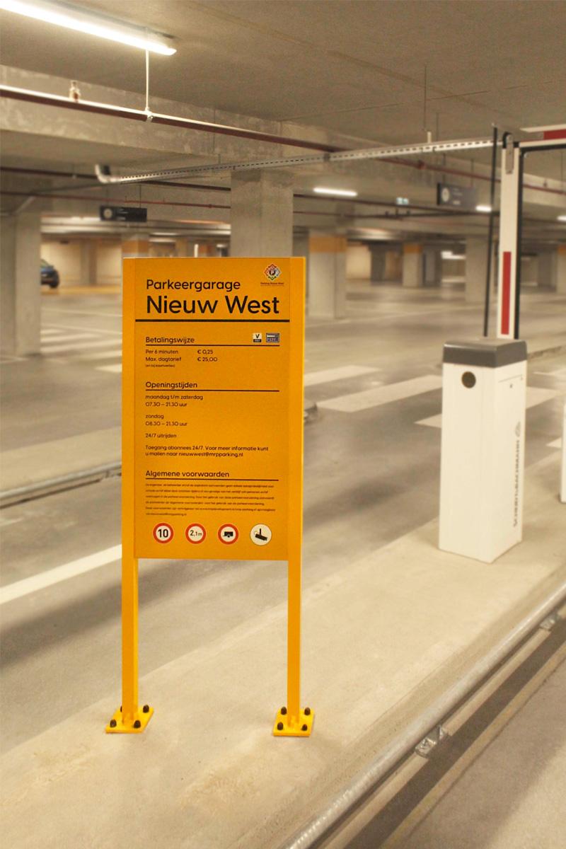 Parkeergarage Nieuw West informatiebord | Groeneveld Sign Systems