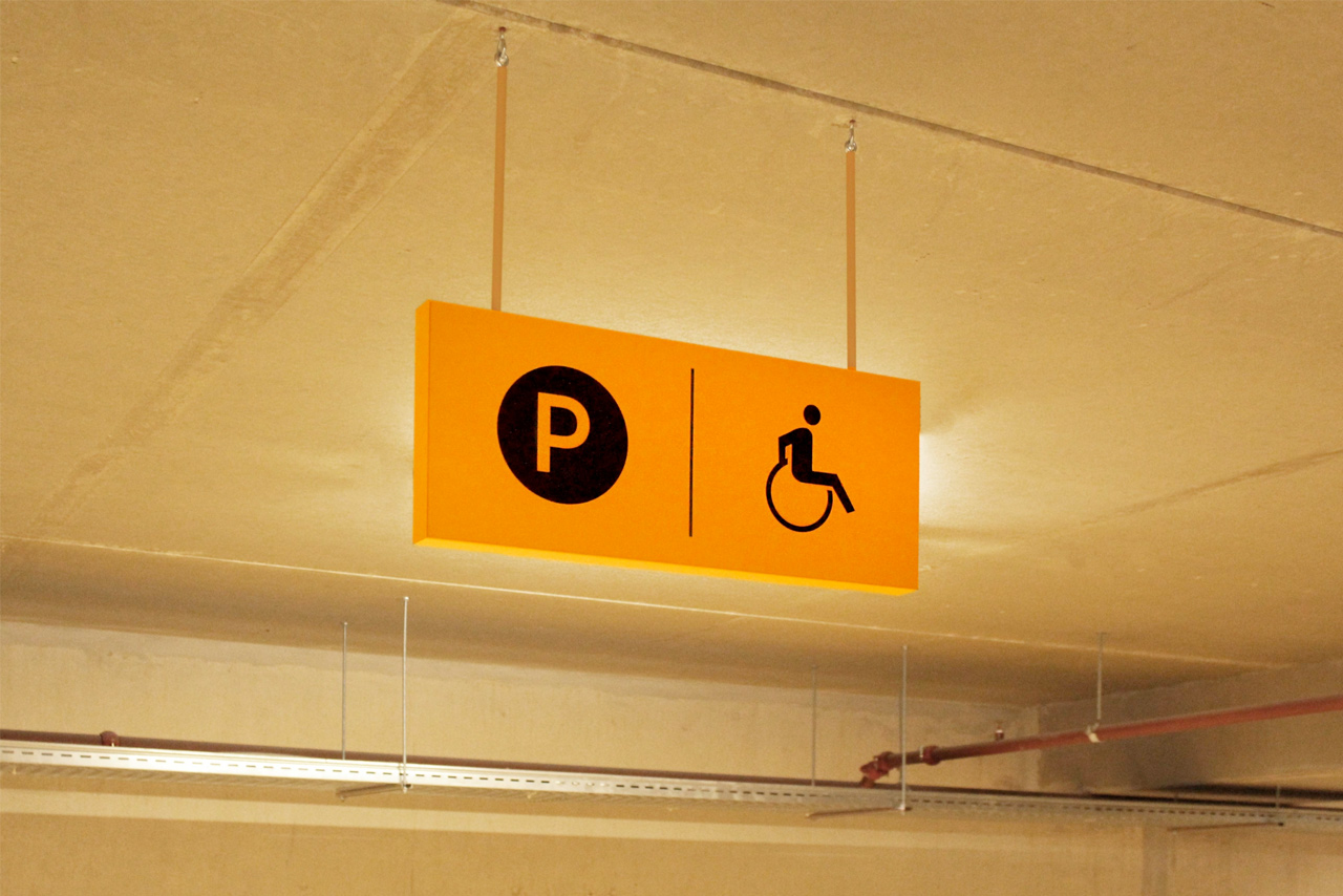 Parkeergarage Nieuw West invalidenparkeerplaats | Groeneveld Sign Systems