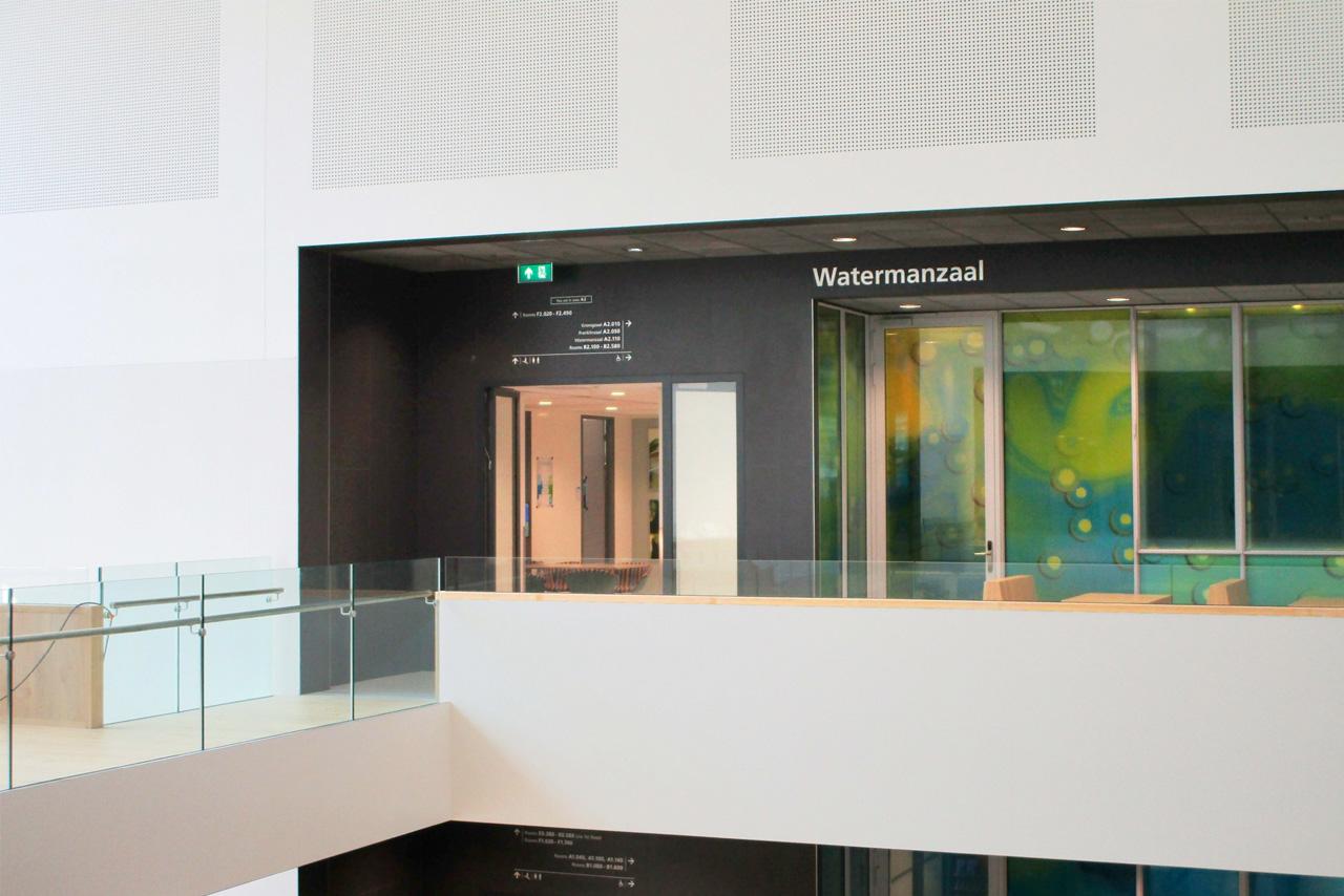 TU Delft TNW aanduiding Watermanzaal   Groeneveld Sign Systems