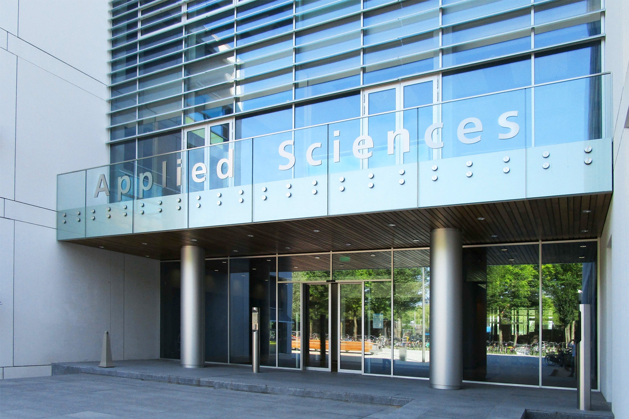 TU Delft TNW gevelsign Applied Sciences   Groeneveld Sign Systems