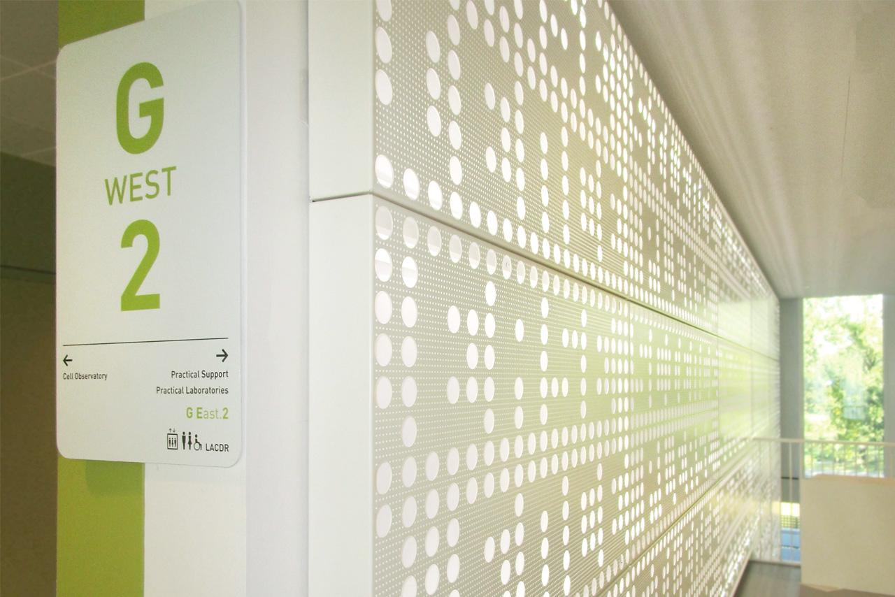 Universiteit Leiden etage aanduiding   Groeneveld Sign Systems